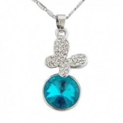 Collier argenté à pendentif papillon à strass et faux cristal bleu
