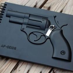 Bloc-notes avec couverture à pistolet en relief