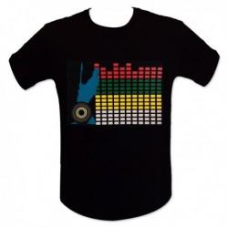 T-shirt interactif avec motif mur de son aux lumières LED