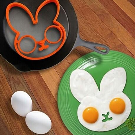 Moule silicone lapin pour œuf sur le plat