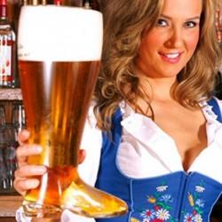 Chope de bière en forme de botte XXL