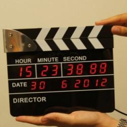 Réveil Digital en forme de Clap de Cinéma