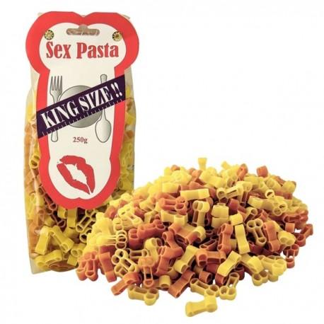 Pâtes comestibles en forme de phallus