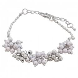 Bracelet de perles blanches et argentées