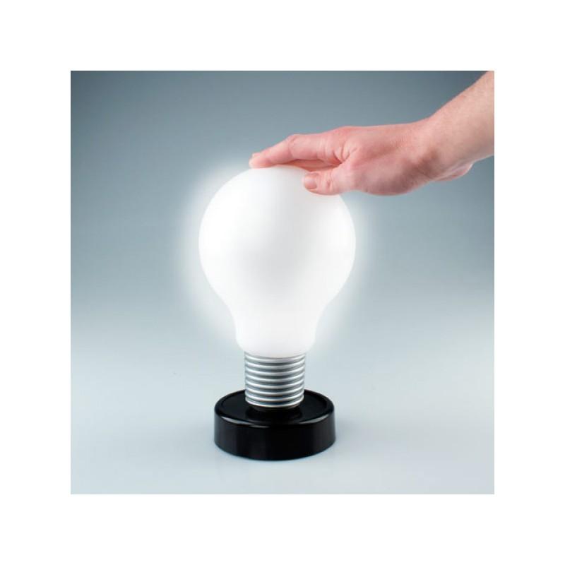 Lampe ampoule appui pour allumer for Ampoule pour lampe a lave