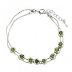 Bracelet argenté avec fausses pierres vertes