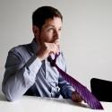 Cravate avec gourde intégrée