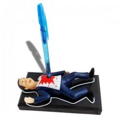 Porte-stylo scène de crime avec cadavre parlant