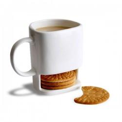Tasse en céramique blanche avec compartiment pour biscuits