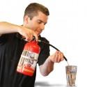 Distributeur de boisson en forme d'extincteur