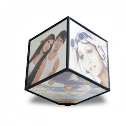 Cube photos à révolution automatisée