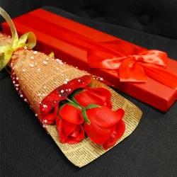 Coffret de bouquet de roses en savon