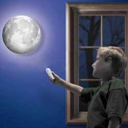 Lampe en forme de lune télécommandée